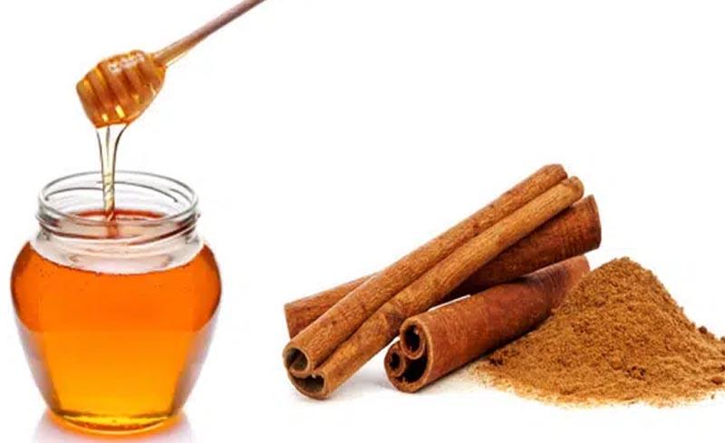Giảm hôi miệng với mật ong kết hợp với hương quế.