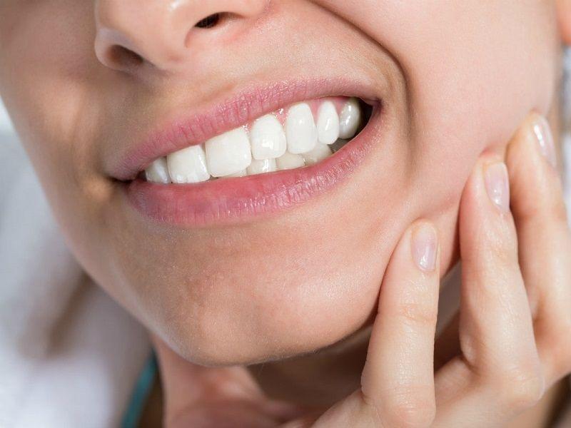 Tình trạng ê buốt sau khi lấy cao răng thường gặp ở nhiều người