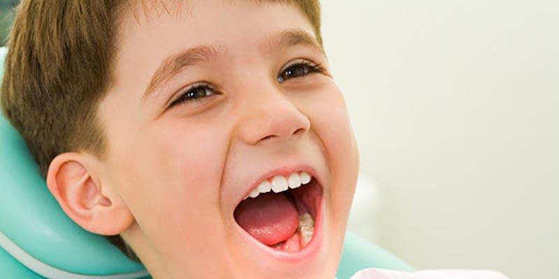 Thăm khám và điều trị tại cơ cở uy tín sẽ đảm bảo tối đa sức khoẻ răng miệng cho trẻ