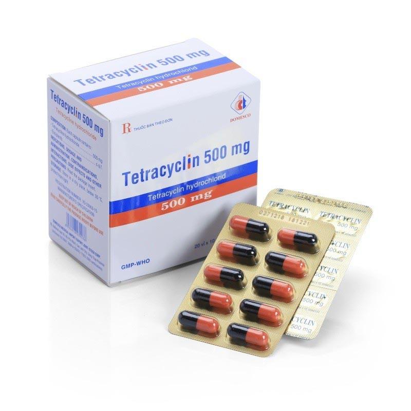 Khi dùng Tetracyclin cần tham khảo ý kiến của bác sĩ vì thuốc có thể gây vàng răng