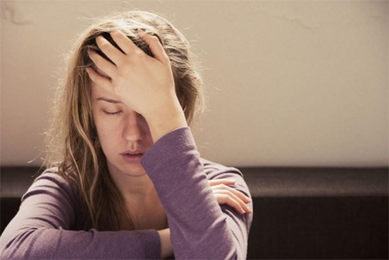 Căng thẳng cũng là yếu tố gây nên tình trạng này