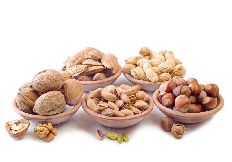 Hạn chế các loại đồ ăn vặt là hạt có vỏ