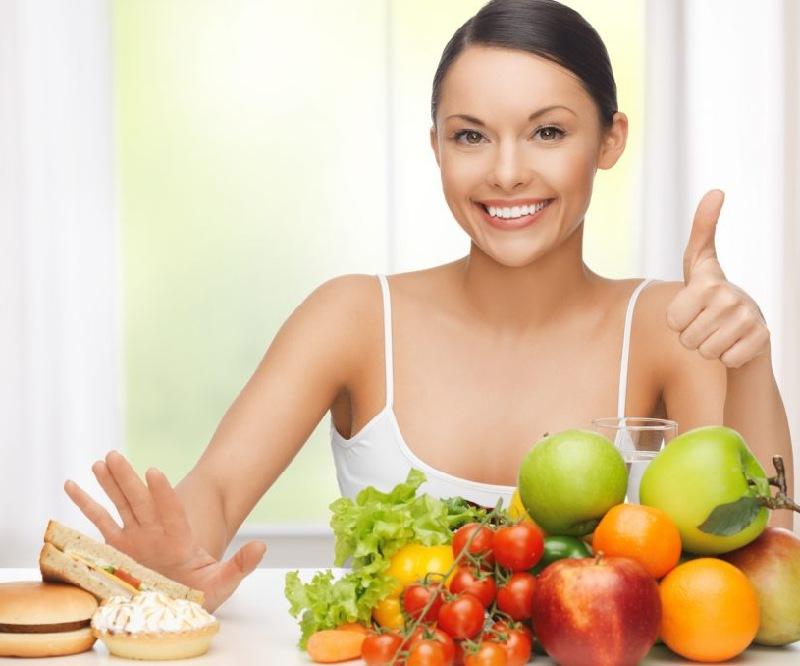 Bị sâu răng nên hạn chế ăn đồ ăn chứa nhiều đường và tinh bột