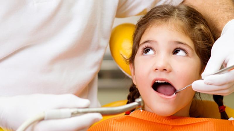 Loại bỏ răng sâu để tránh lây lan
