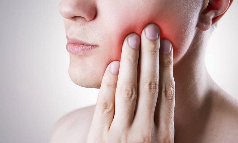 Đau răng là triệu chứng bất thường mà bất cứ đối tượng nào cũng có thể gặp phải