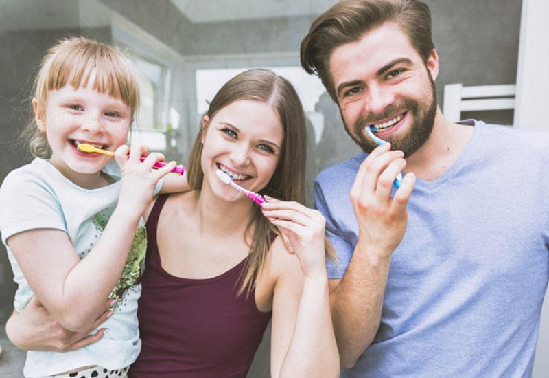 Vệ sinh răng miệng thường xuyên là rất quan trọng trong quá trình sử dụng thuốc