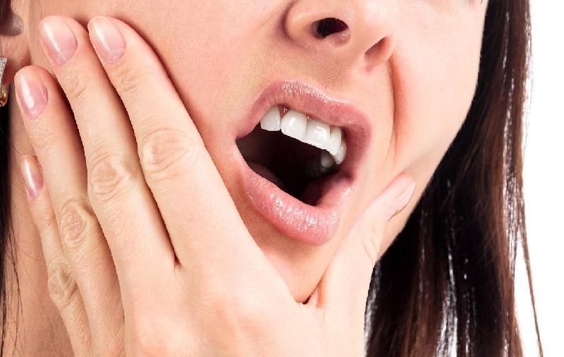 Viêm lợi sưng mà xuất phát từ chính thói quen sinh hoạt, ăn uống