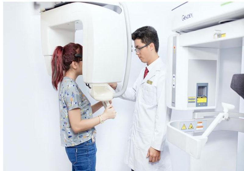 Chụp X-Quang giúp xác định chính xác vùng nướu bị tổn thương
