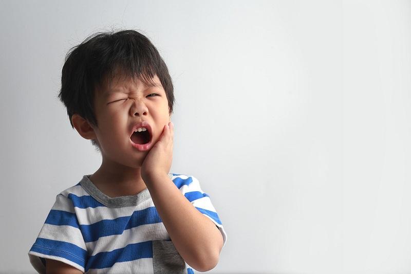 Đau răng do sâu răng có thể lan vào bên trong tủy