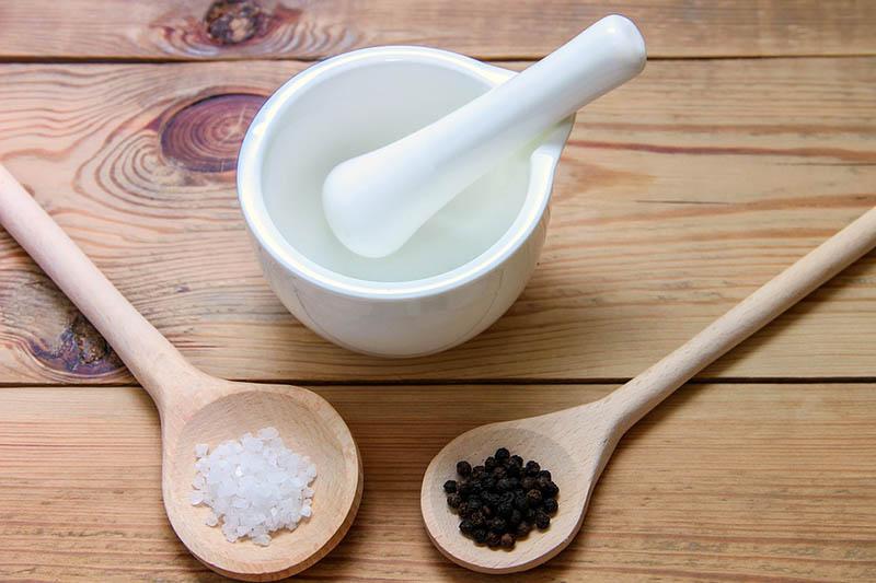 Kết hợp muối và hạt tiêu vừa tiết kiệm, vừa hiệu quả