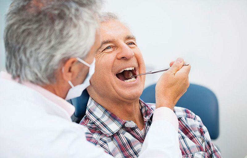 Hiện tượng thoái hóa thường gặp ở người lớn tuổi