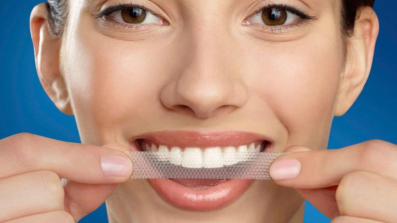 Khi thực hiện phương pháp làm trắng răng tại nhà cần lưu ý cách ly nướu cẩn thận